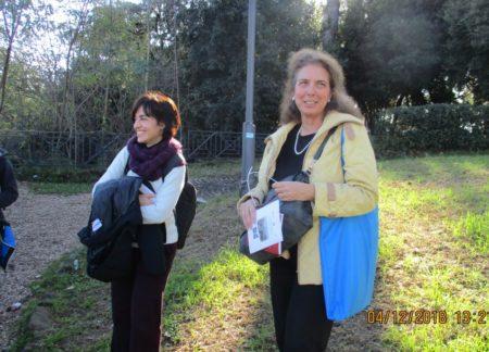 La prof.ssa Lucia Raffaelli e Noemi Cavicchia Grimaldi al termine della visita
