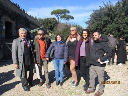 Foto di gruppo, da sinistra Enrico Luciani e Massimo Capoccetti con i proff. Carolina Proietti, Vanessa Piccari, Anna M. Giacomi, Gianmaria Bellu