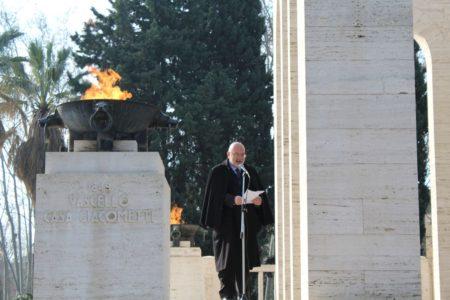 Mario Di Napoli svolge il suo intervento e ricorda con passione e perizia storica il grande significato della memoria della Repubblica Romana del 1849