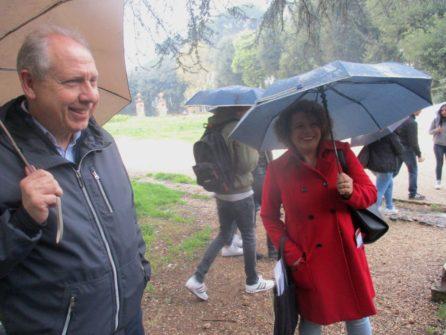 Il prof. Massimo Mengasini della classe IV B con la guida Daniela Donghia