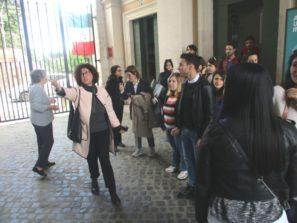 La prof.ssa Marina Formica con i suoi universitari al termine della visita al Museo
