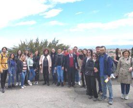 Foto di gruppo a Piazzale Garibaldi
