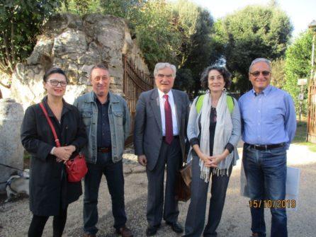 Foto ricordo per (da sinistra) Paola Marino, Luigi Gori, Enrico Luciani, prof.ssa Giovanna Odorisio, Massimo Capoccetti