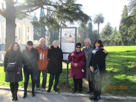 Tutti davanti al Pannello MAUSOLEO OSSARIO GIANICOLENSE ricollocato giusto in tempo per il 9 febbraio…