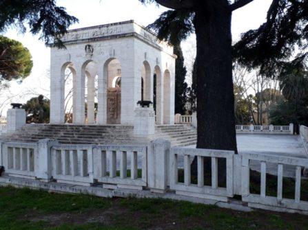Il Mausoleo quasi a sera