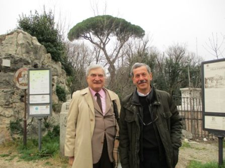 Enrico Luciani e Giacomo Bucolo attendono a Villa Pamphili le classi del liceo Torricelli