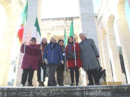 Sul quadriportico: Emanuela Mariani, Roberto Calabria, Ines Marisa Pietracci, Giovanna De Luca, Daniela Donghia, Enrico Luciani