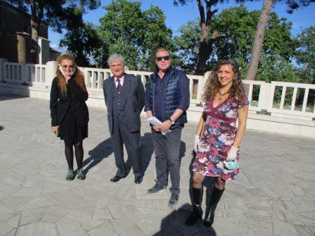 Da sinistra: Carlotta Ercolino, autrice della trasmissione, Enrico Luciani, Fabrizio Rocca, e Mara Minasi responsabile del Mausoleo