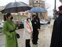 Arriva il Cerimoniale, con la V. Sindaco M. Teresa Zotta e la Consigliera Reg. Lazio Marta Leonori