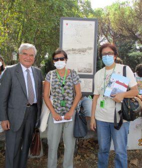 Enrico Luciani, Mariapaola Pietracci Mirabelli e la prof.ssa Concetta De Meo a Piazzale Garibaldi