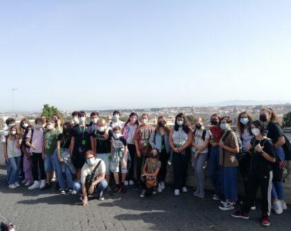 La classe IV F si è concessa una foto ricordo anche al Fontanone, con la vista spettacolare su Roma